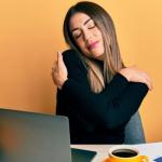 Efectos de la autocompasión, en el bienestar en el trabajo: una revisión sistemática.